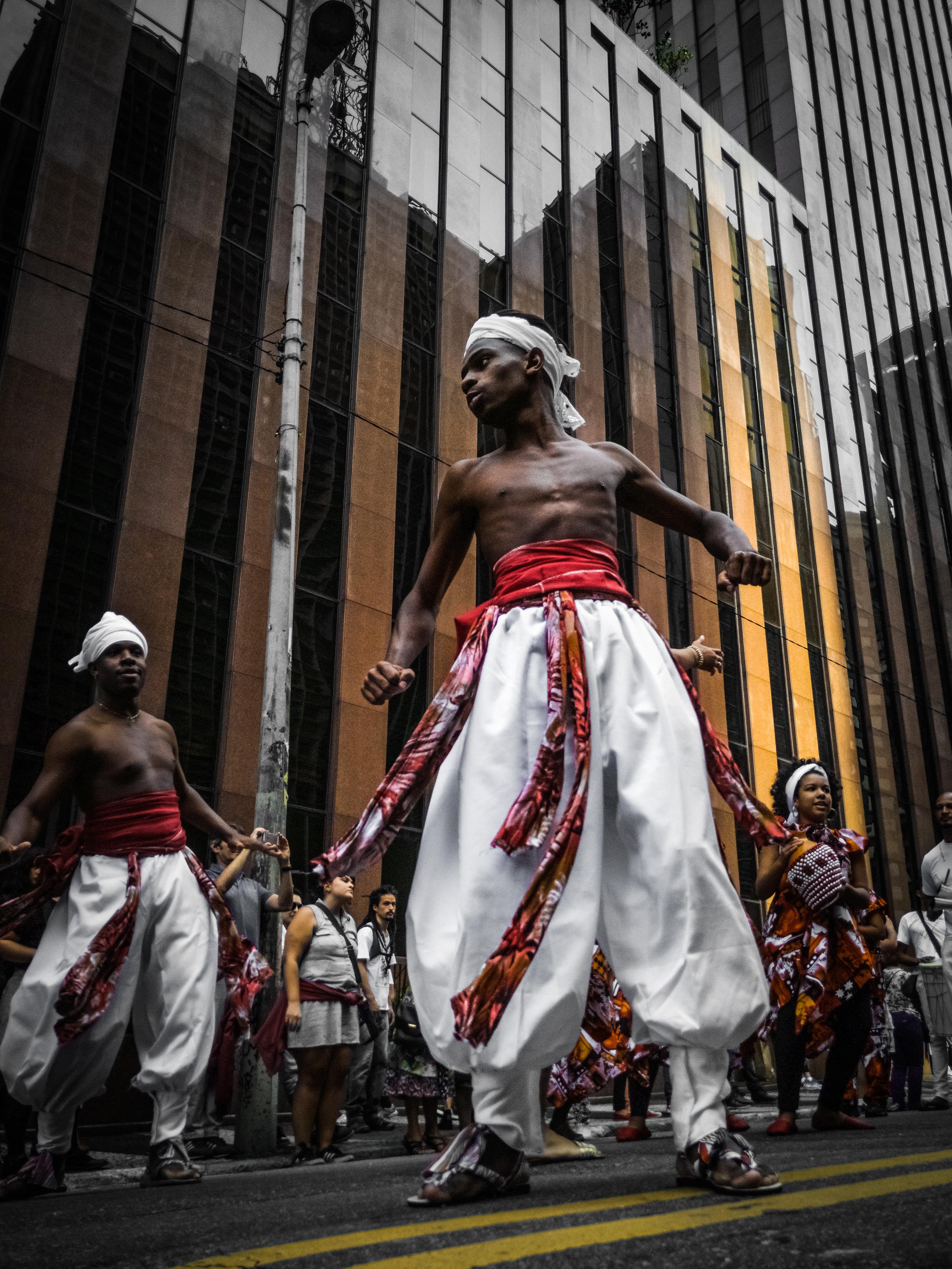 Dancing man - OnePlus3 - Sao Paulo.jpg
