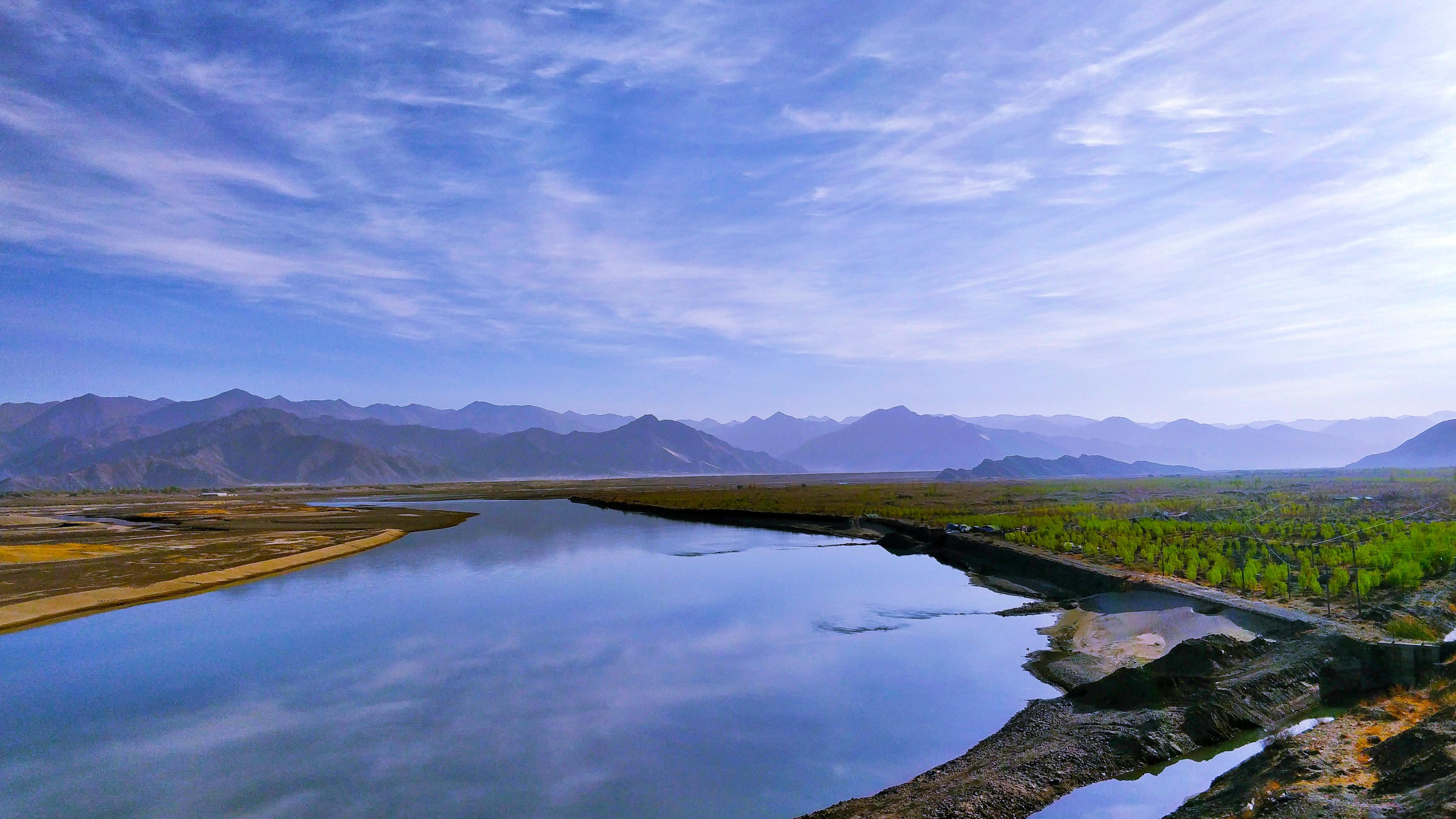雅鲁藏布江水1.jpg