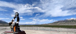 西藏纪录片拍摄中 得空拍