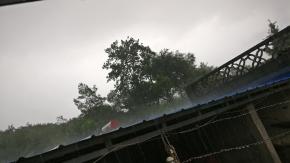 大雨倾盆啊