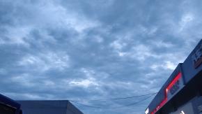 要下雨了。滴滴答答