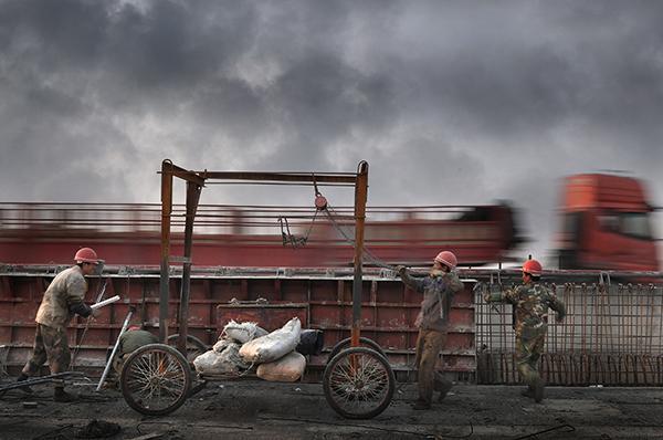 分秒必争,2014第23届奥地利特伦伯超级摄影巡回展金奖.jpg