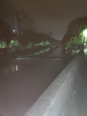 使用超级夜景拍照和没有使用区别还是很大的