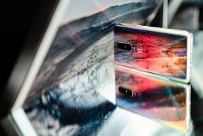 【手機捉迷藏】OnePlus8銀翼,優雅的變色龍