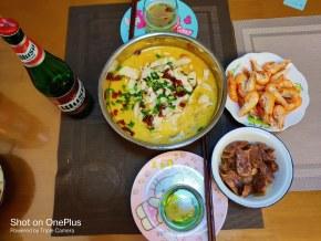 酸菜鱼+腊肠+虾+夺命大乌苏